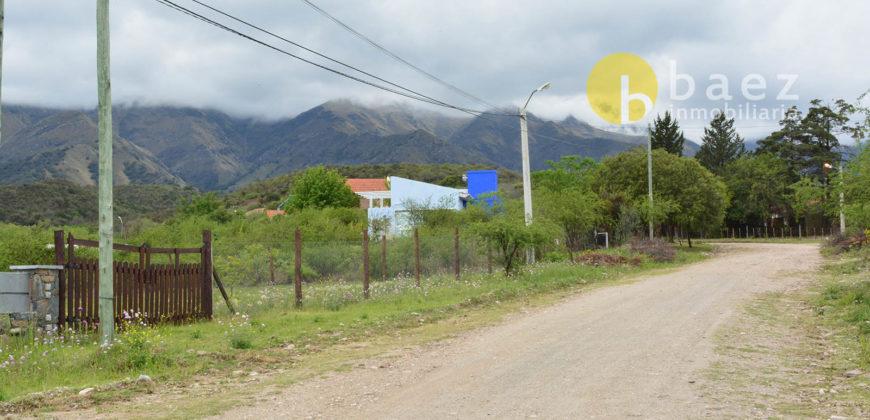 CASA Y DPTO EN BARRANCA COLORADA-MERLO
